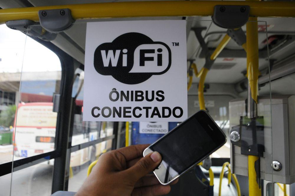 Resultado de imagem para wifi onibus